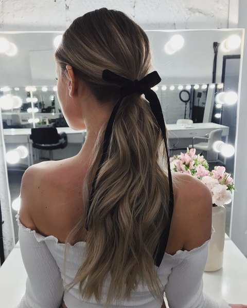 wedding hairstyle with ribbon