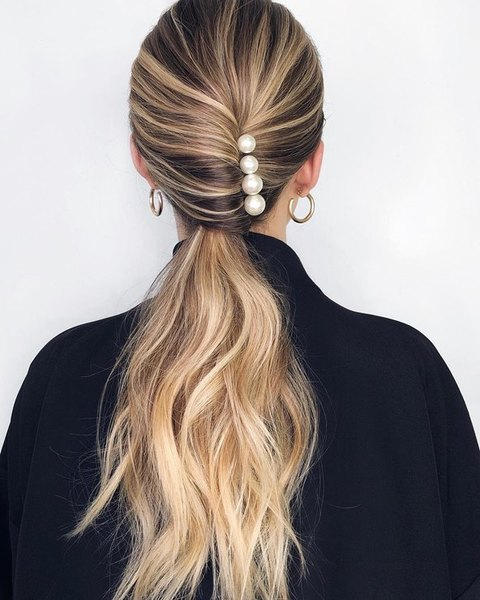 wedding hairstyle 4 pearls