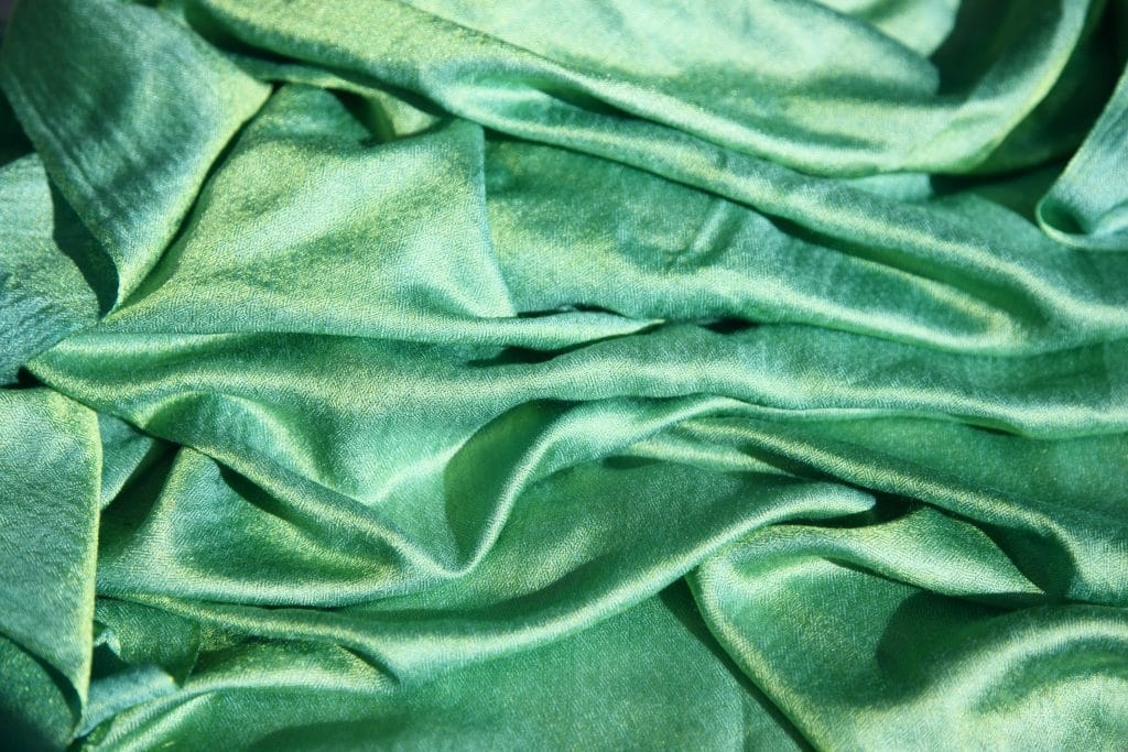 Can you bleach polyester fabric